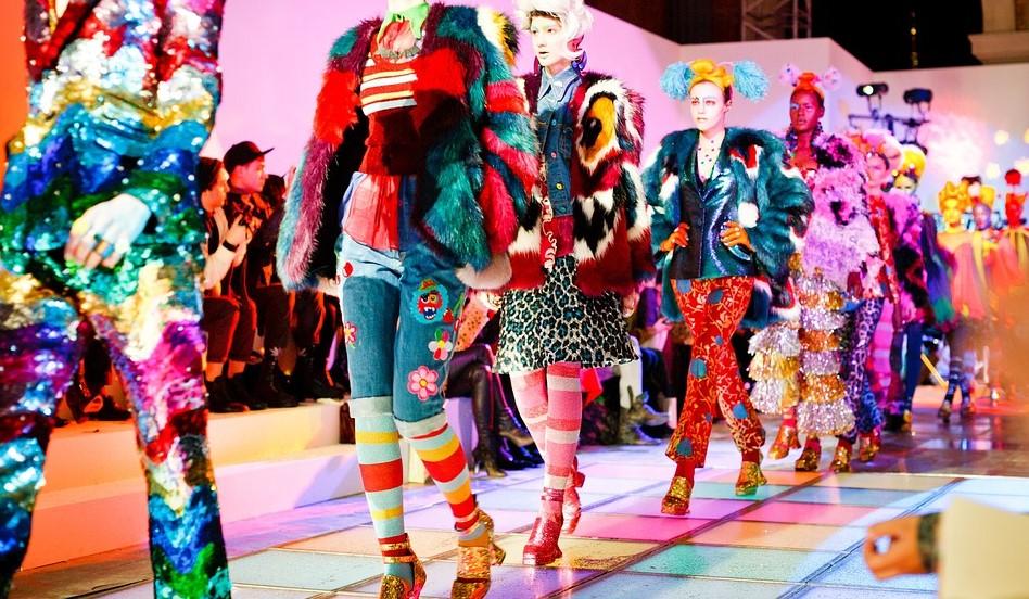 Markowe półbuty damskie zawsze w modzie?